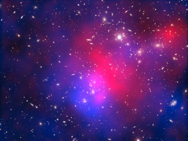 Astrônomos brasileiros descobrem detalhes de aglomerado de galáxias