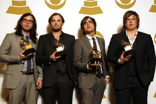 Kings Of Leon - Work On Me - traduzione testo video download