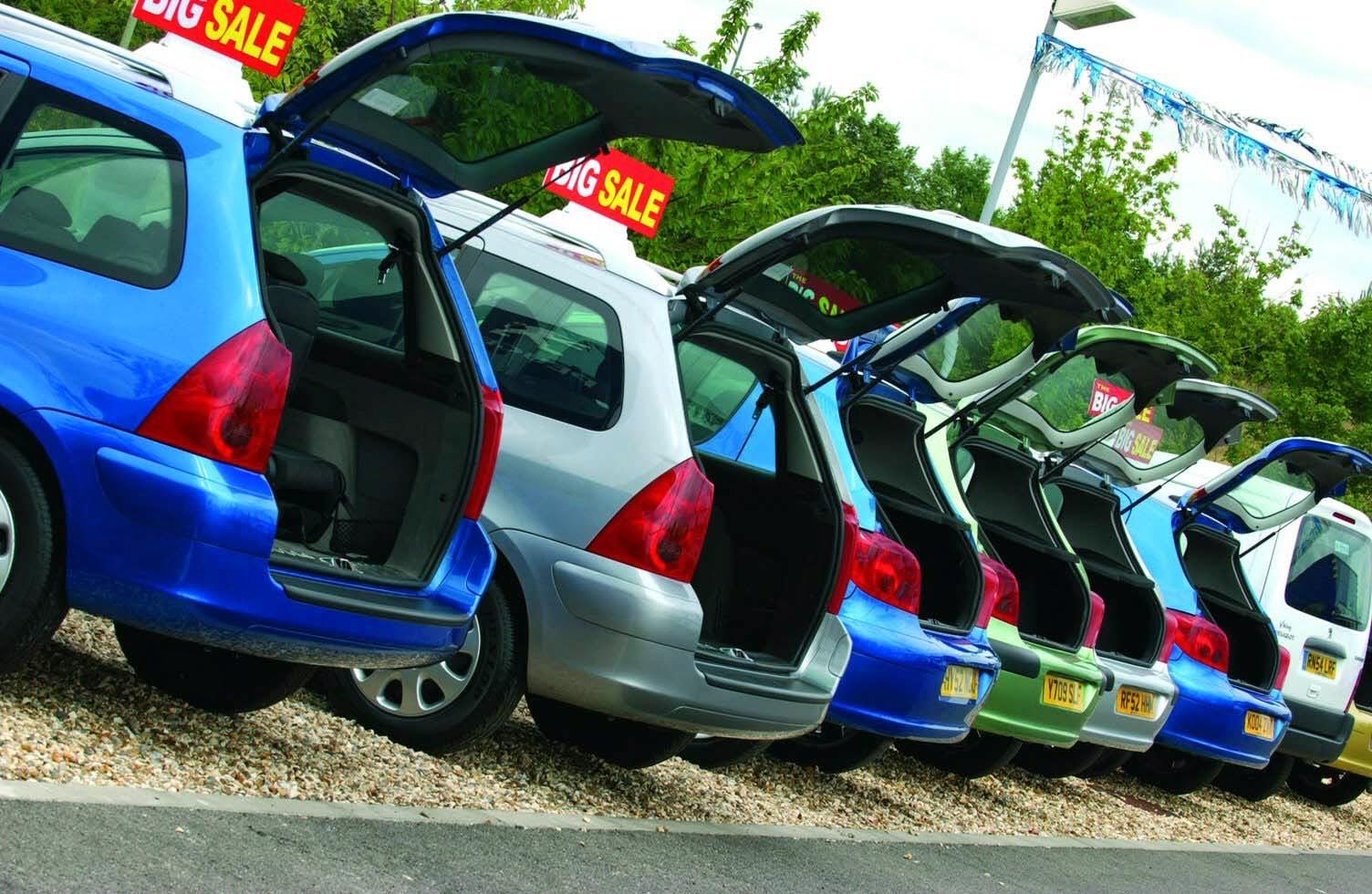 kredit mobil bekas dan mobil baru murah