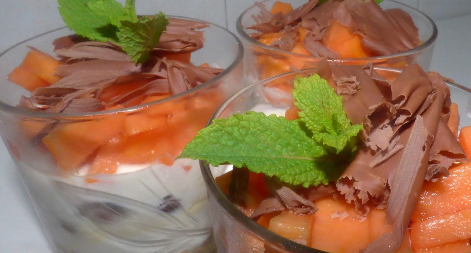 Dulces y cremas tarta de yogur y papaya en vaso aida - Postres para impresionar ...