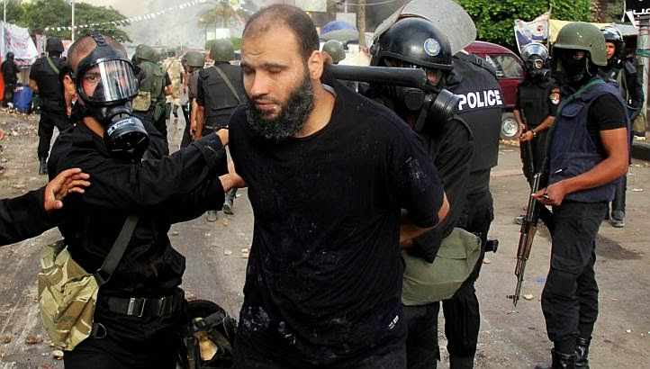 Egyptian police arrested 37 protesters , members of Muslim Brotherhood