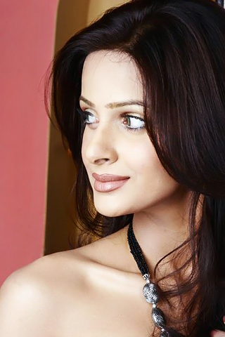 Pakistani model  Saba Qamar hot image