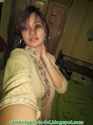 Hot+Pictures+Gallery+of+Bengali+Beautiful+young+girls001