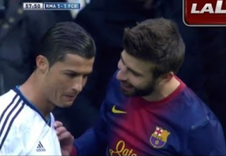 Ronaldo Di Ejek Gerard Pique Saat Perayaan Treble Barcelona