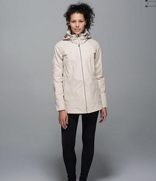 http://www.anrdoezrs.net/links/7680158/type/dlg/http://shop.lululemon.com/products/clothes-accessories/women-outerwear/Fo-Drizzle-Jacket?cc=7525&skuId=3530606&catId=women-outerwear