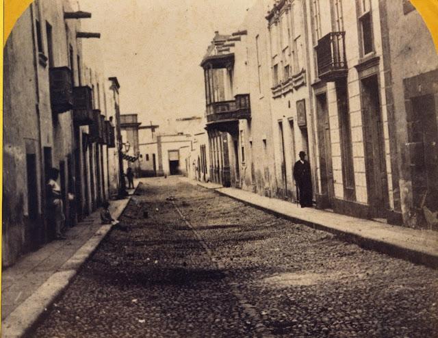 Imagen nº 301 propiedad del archivo de fotografía histórica de la FEDAC/CABILDO DE GRAN CANARIA. Realizada entre los años 1868 y 1870.