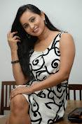 Ishika singh sizzling pics-thumbnail-2