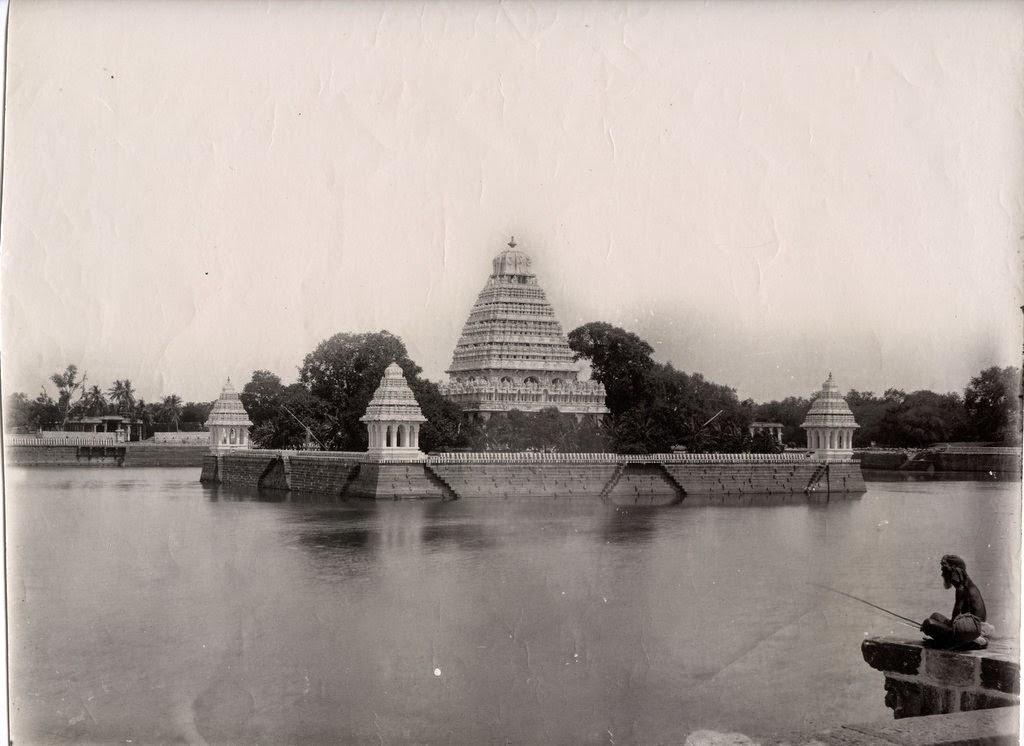 Vandiyur Mariamman Teppakulam Pond and Temple in Madurai, Tamil Nadu - c1890's