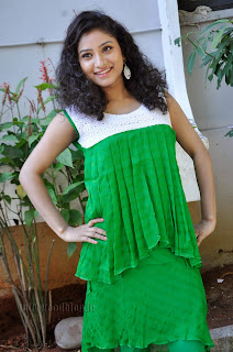 Vishnu Priya cute Pictures gallery 001.jpg