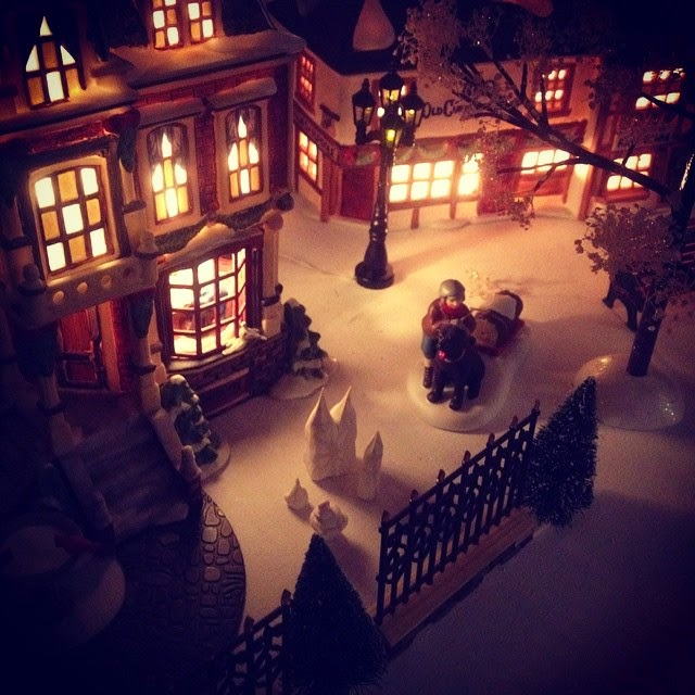 Dickens Christmas Village via foobella.blogspot.com