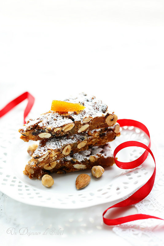 Panforte aux amandes, noisettes, orange et citron confits