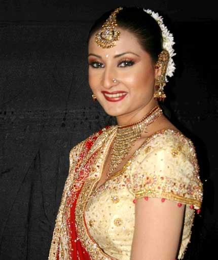 Urvashi Dholakia HD Wallpaper