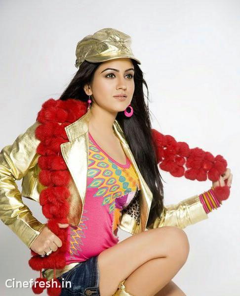 Aksha Hot Stylish Stills Actress Aksha Hot Photos glamour images