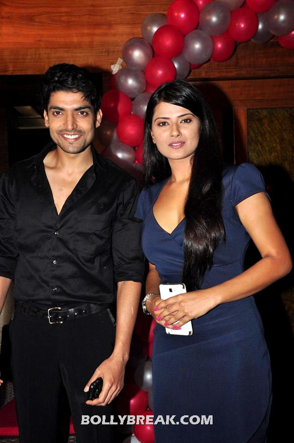 Gurmeet Choudhary, Kratika Sengar - (2) - TV serial 'Punar Vivah' celebrates successful 100th Episodes