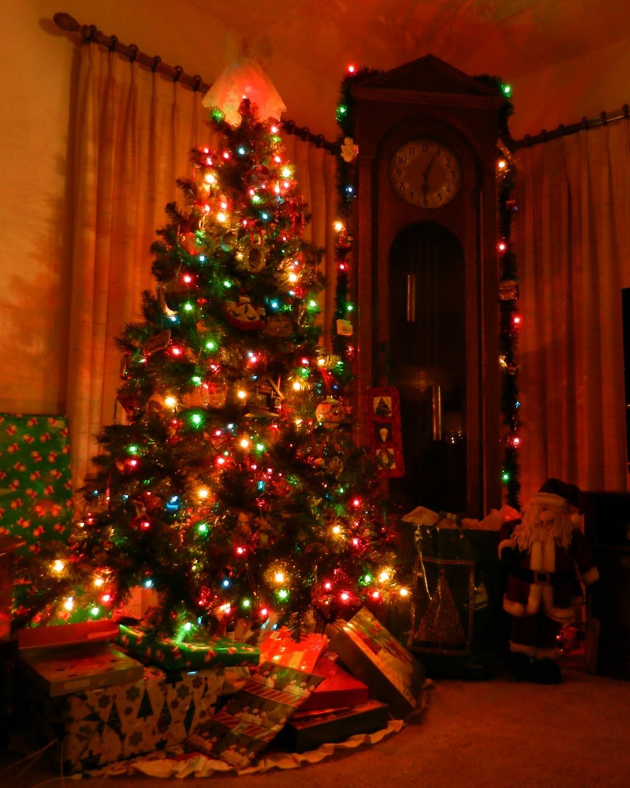 Freeform Crop Christmas Tree