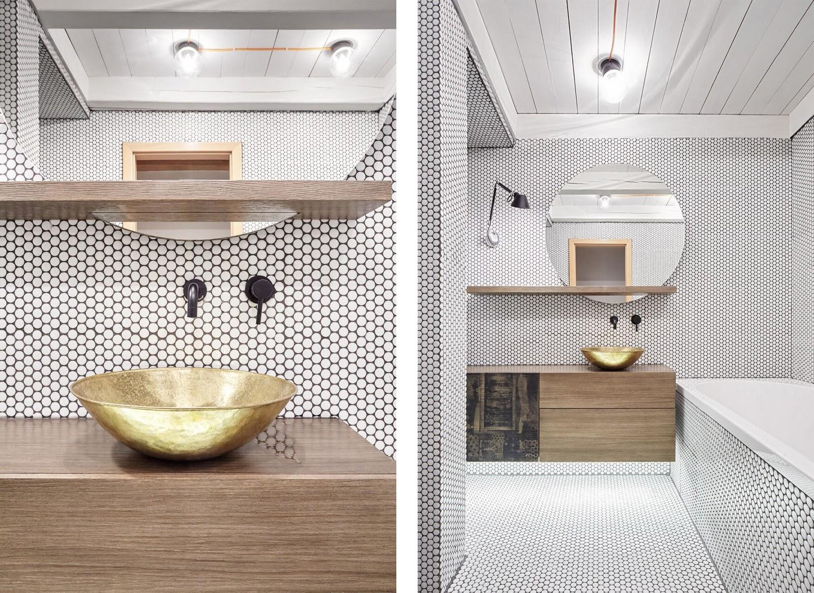 Progetto di due bagni e una cucina in un appartamento a Praga by ...