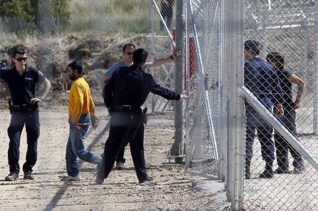 Καταρρέει το σχέδιο «Ασπίδα» για τους μετανάστες στον Έβρο