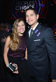 People's Choice Awards, Revolution. Spiridakos, Pardo, Esposito