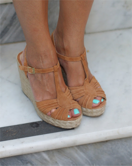 Steve Madden shoes, Tiffany nail polish on toes, Fashion and Cookies