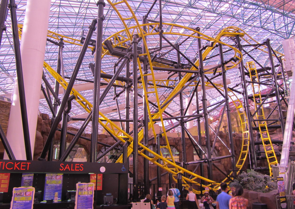 a couple months ago i happened to be in las vegas and knowing that a new coaster had recently opened there meant i had a mission to ride it of course - Adventuredome Halloween