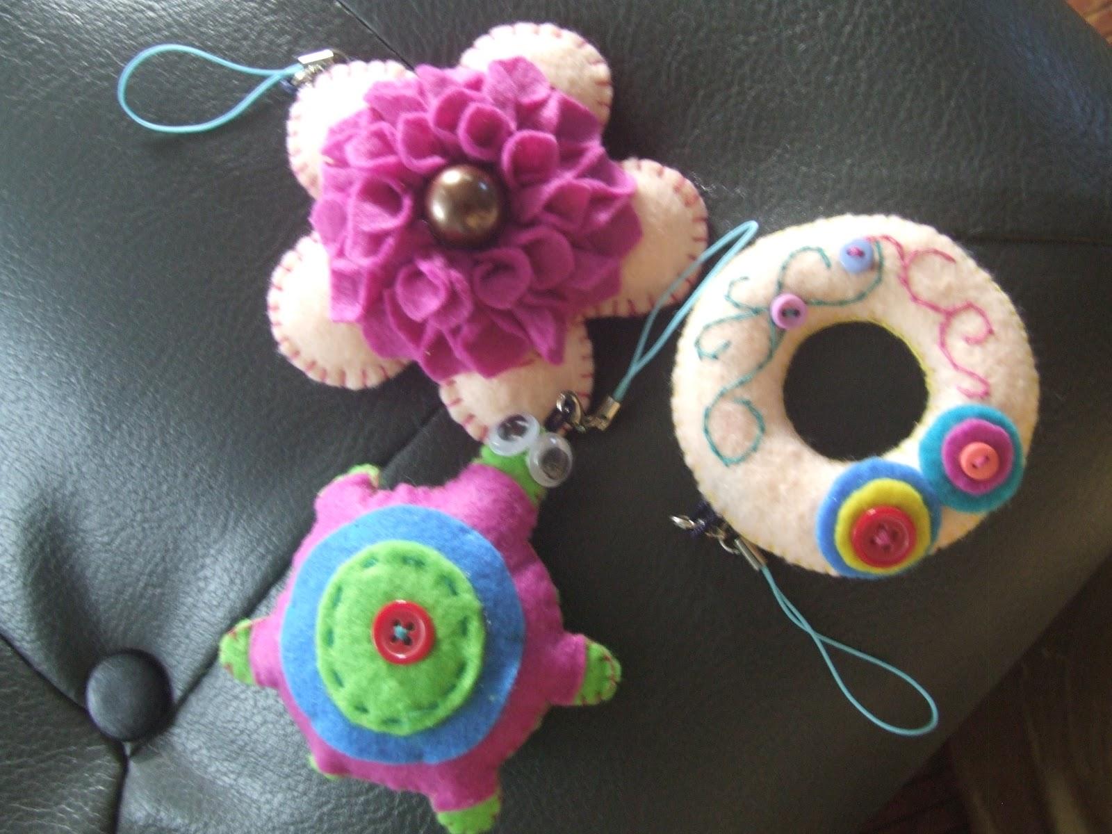 Jufira jono crafts arts felt crafts for Felt arts and crafts