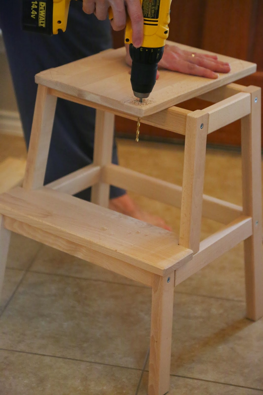 DIY Toddler Step Stool & Party Girl to Partly Crunchy Mama: DIY: Toddler Step Stool islam-shia.org