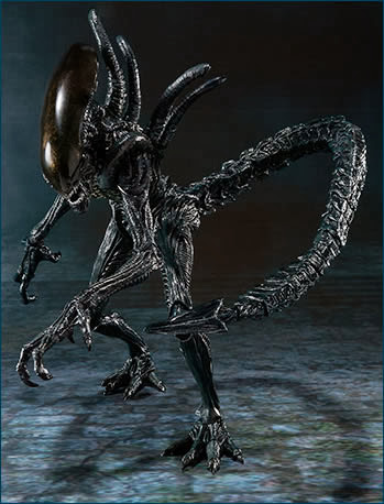 Bandai SH Monsterarts AvP Alien Warrior Figure