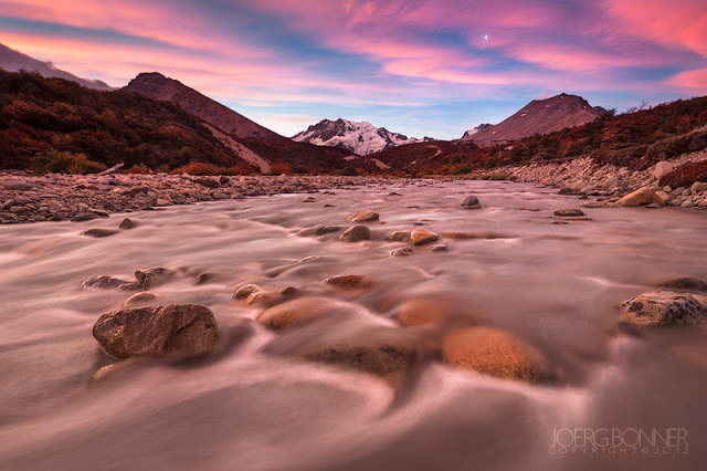 Beauty Ahead © Joerg Bonner // a colourful sunrise in the patagonian mountains.
