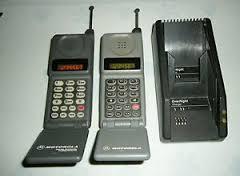 "Régi ""buta"" mobiltelefon, Motorola."