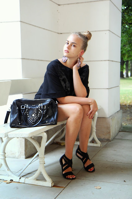 http://prettylittlefashionistaa.blogspot.com/2013/08/one-bag-in-warsaw-2.html