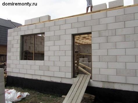 Построить дом из пенобетона или пеноблоков