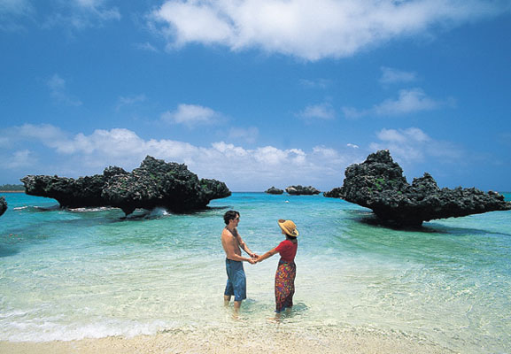 Exotic places honeymoon in fiji mauritius and maldives for Nice places to go for honeymoon