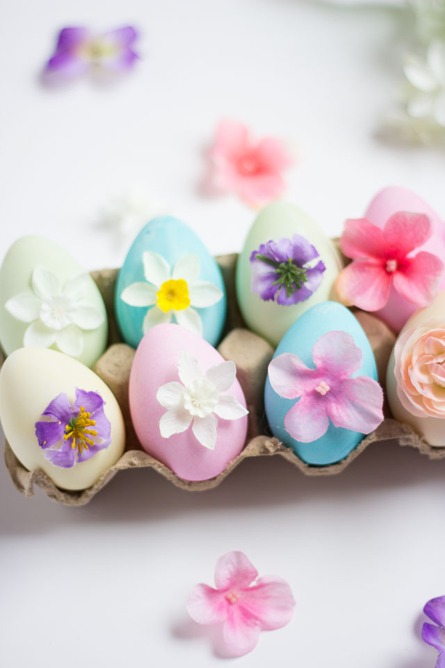 Gorgeous DIY Floral Easter Eggs