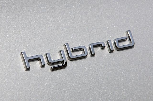 Audi A8 Гибридный 2012 года