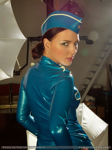 Latex-Uniform für Stewardessen - bombastic airlines