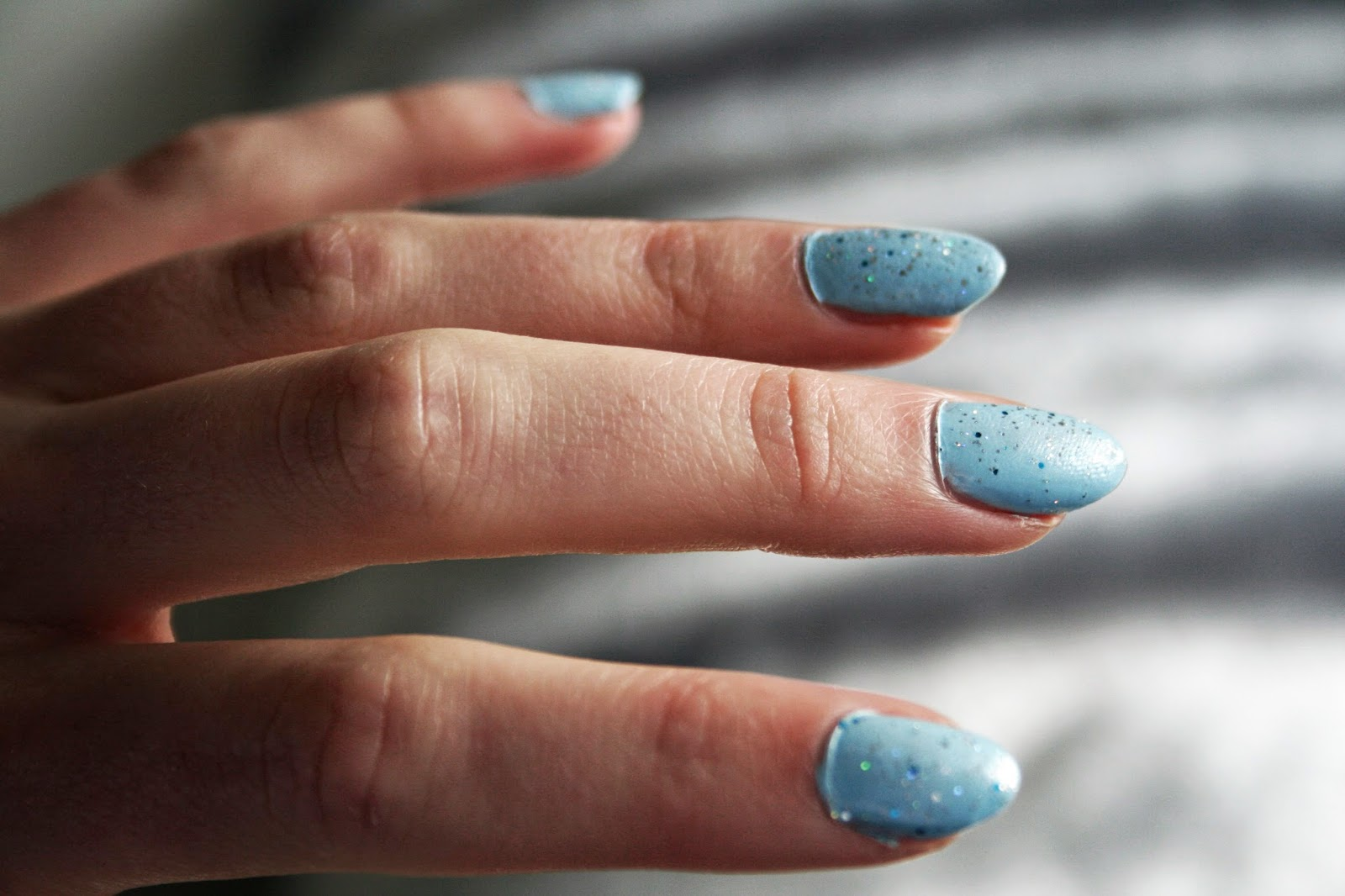 Frozen Inspired Nails and Managing Theatre Flashbacks