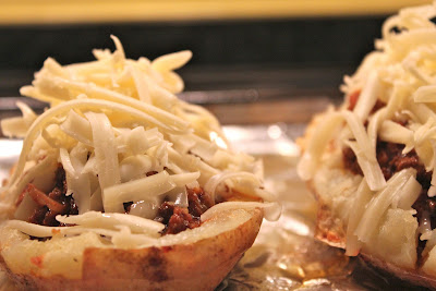Chili-filled potato skins