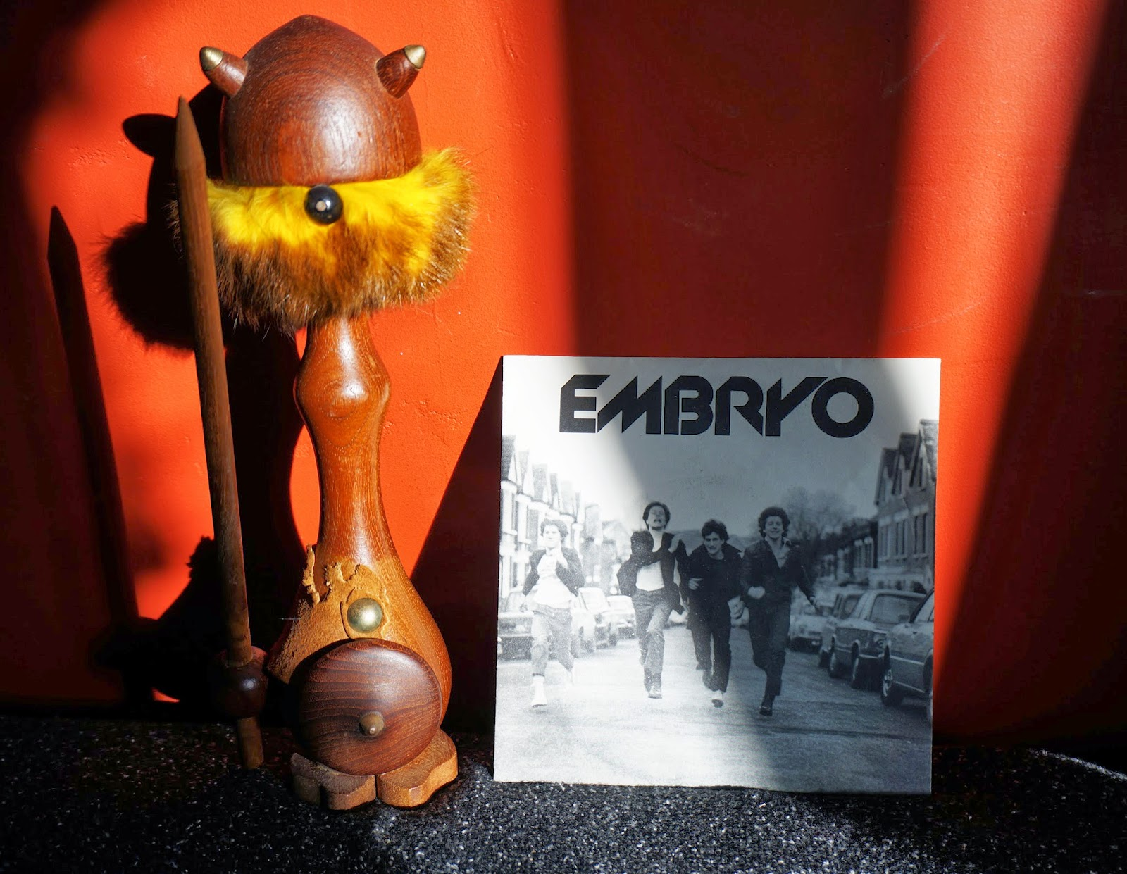 http://crazeegirlsound.blogspot.fr/2014/03/embryo-you-know-he-did-im-different-1980.html
