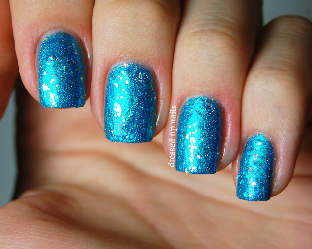 Dressed Up Nails - Delush Polish Ocean Sapphire swatch