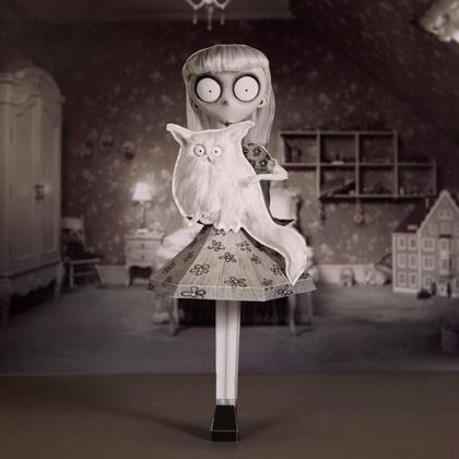 Frankenweenie Weird Girl Super Punch: Haunted M...