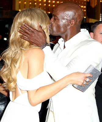 Seal And Newly-Single Delta Goodrem Kisses Passionately At 2012 Logie Awards 2
