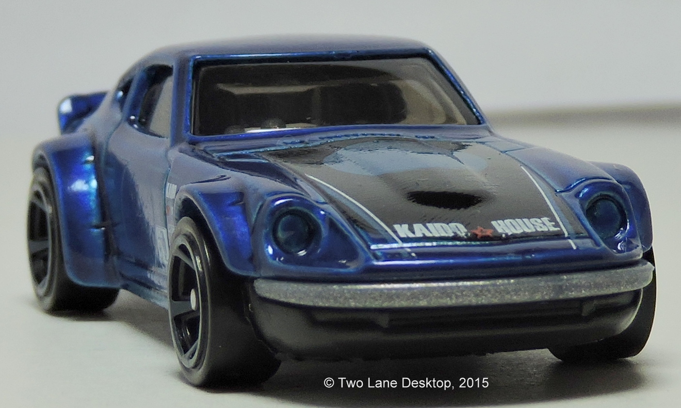 Two Lane Desktop: Hot Wheels Nissan Fairlady Z and Datsun 240Z