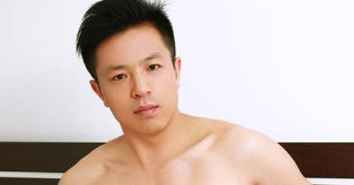 Emailed Photos : Khevin Masseur With Extra Service