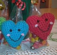 http://dulcekaramelochocolatoso.blogspot.com.es/2012/02/amor-amistad-y-amigurumis.html