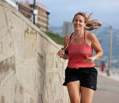 Corrida de rua, correr, fone de ouvido, desempenho na corrida