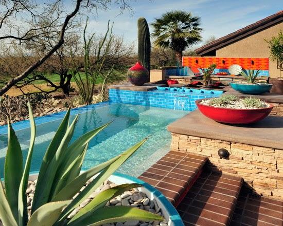 Hogares frescos 18 dise os de peque as pero hermosas piscinas for Patios con piscinas imagenes