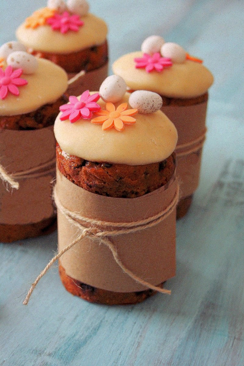 Cupcakes & Couscous: Mini Easter Simnel Cakes