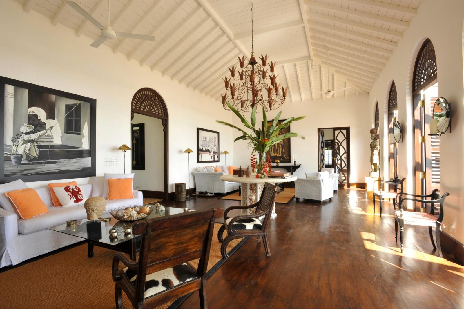 Ecomanta designers abroad inside the vacation homes of for Living room designs sri lanka