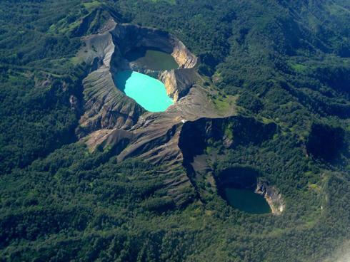 Kalimutu Lake Flores
