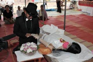 berkahwin dengan mayat